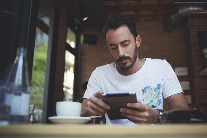 la curation de contenu est une façon efficace et économe d'assurer une présence en ligne