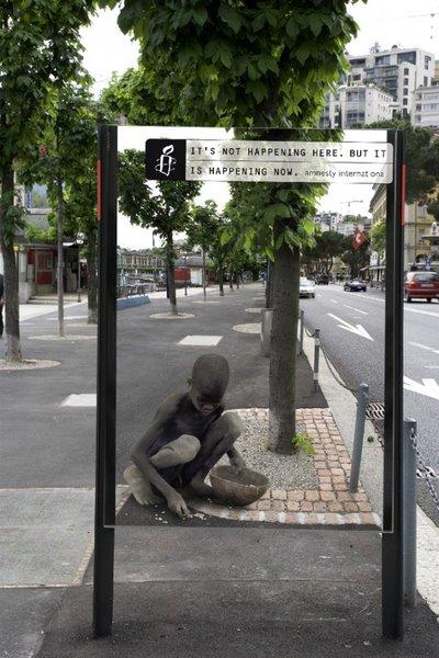 Amnesty International créé un sentiment de compassion chez les passants.