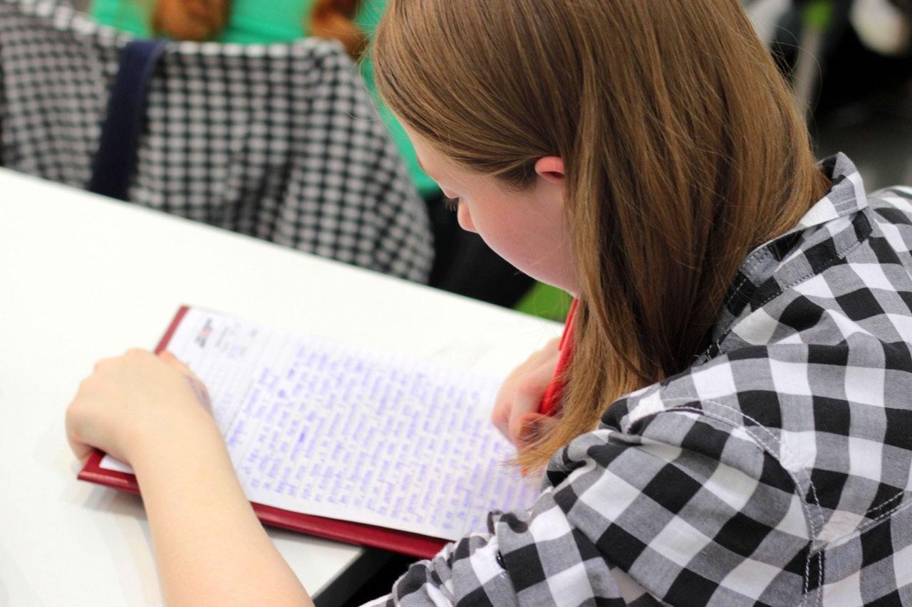 Envoyer des newsletters avec du contenu très pointu pour convertir les prospects en étudiants