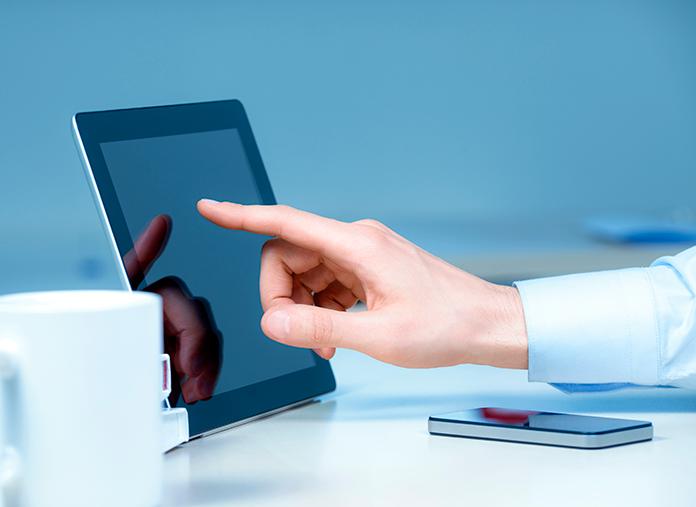 Le doigt sur une tablette, pour quoi faire ?